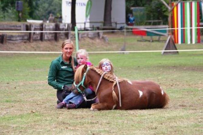 Kinder und Ponys - ein gutes Team