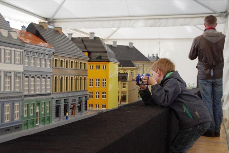 Nicht nur das Lego-Pferd, auch die Lego-Stadt hatte viele Fans